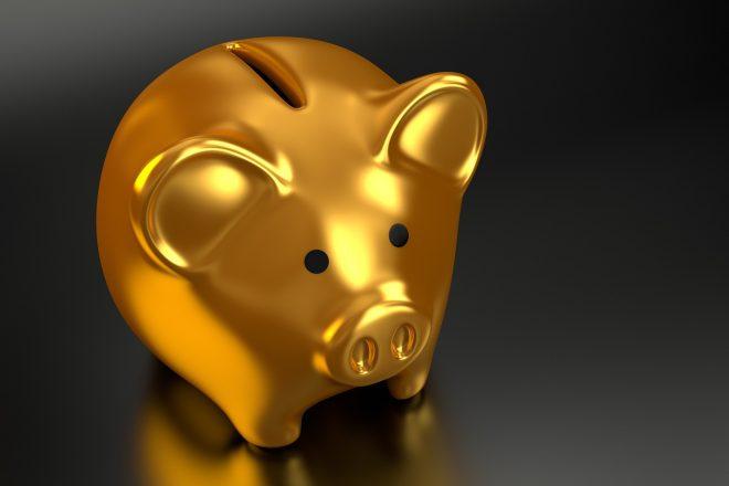 イメージ画像-金の豚の貯金箱